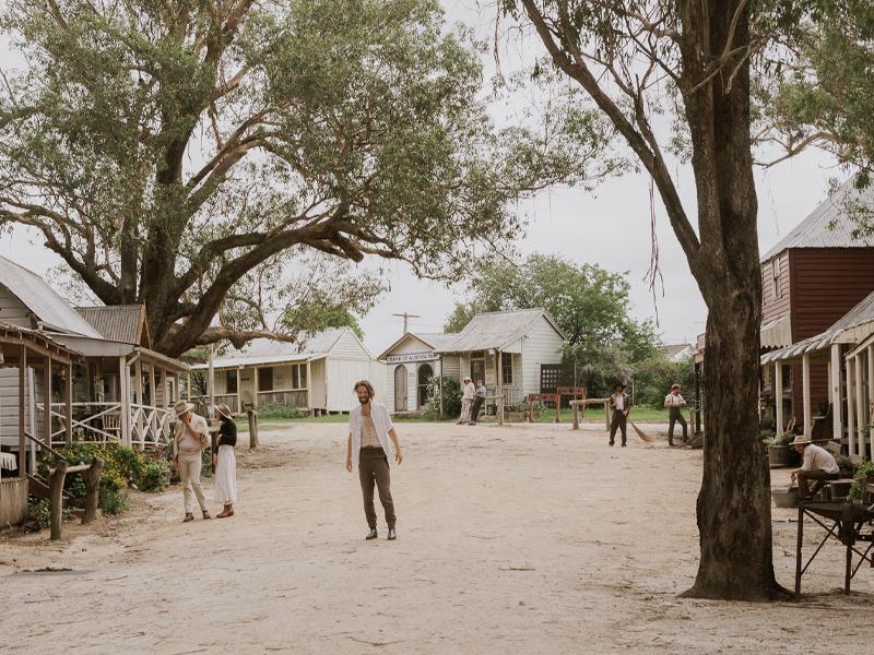 Caitlin Harnett & The Pony Boys – 5AM (Dir. Aimée-Lee X. Curran)
